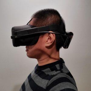 Oculus Quest battery pack balances the Quest