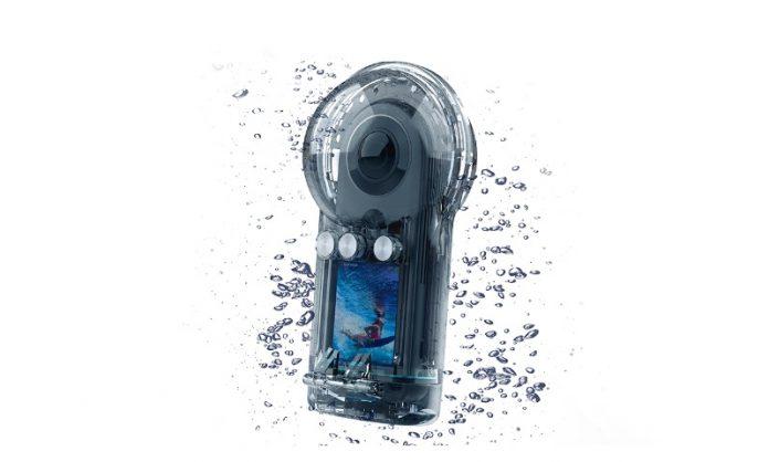 Qoocam 8K Dive Case sample video (underwater 360 video)